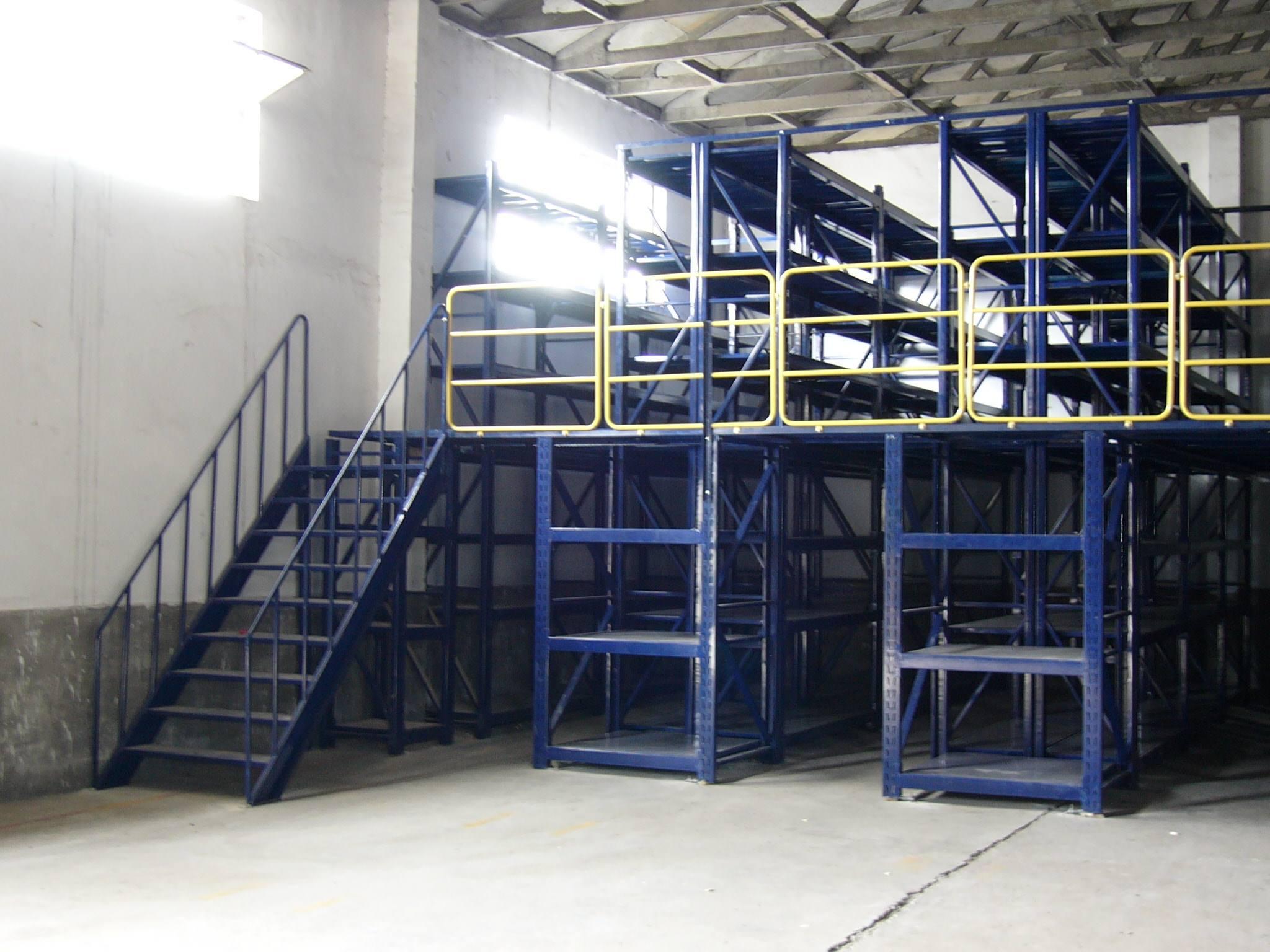 三立柱钢平台